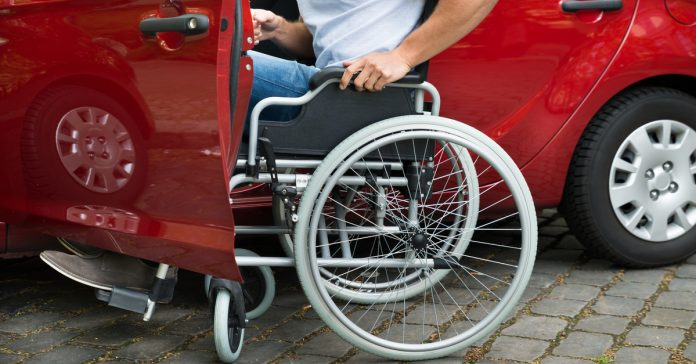 Auto utilizzata dal disabile: ecco quando decade l'agevolazione IVA